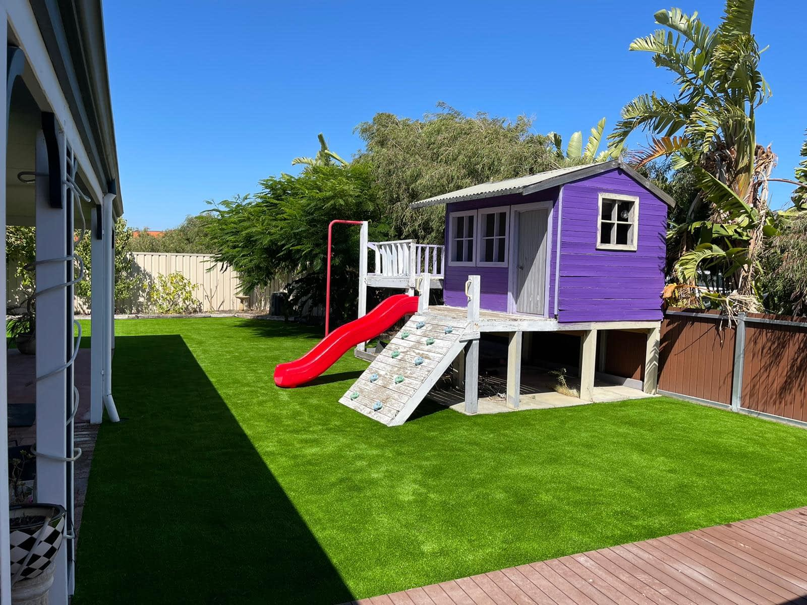 synthetic turf install cubby house 3