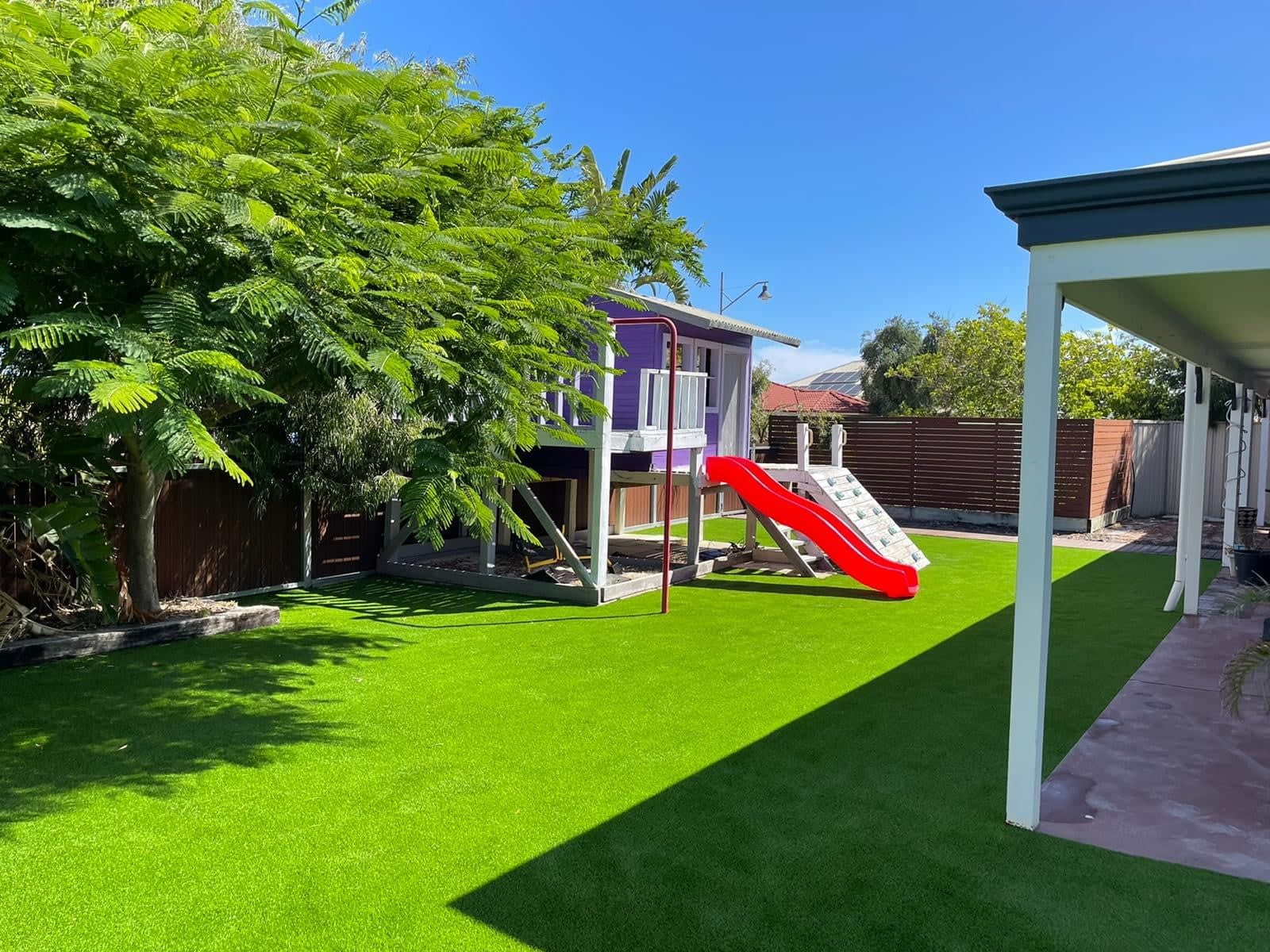 synthetic turf install cubby house 4